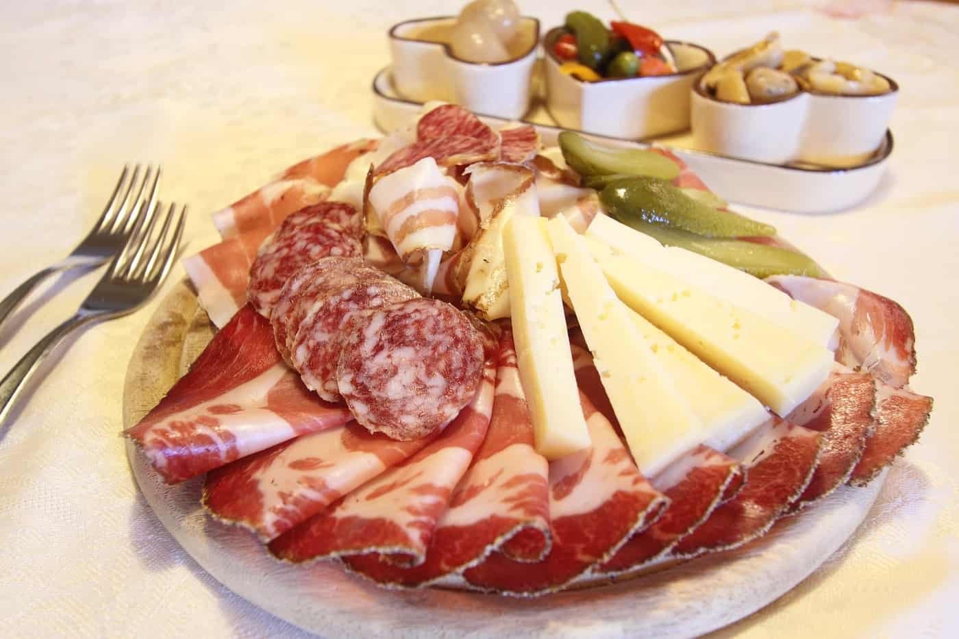 Charcuterie board meat and chees