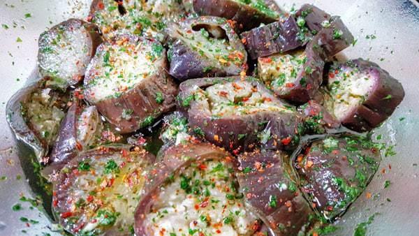 aubergines stuffed